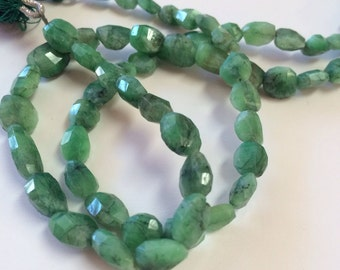 Emerald Faceted Nuggets-7x6mm