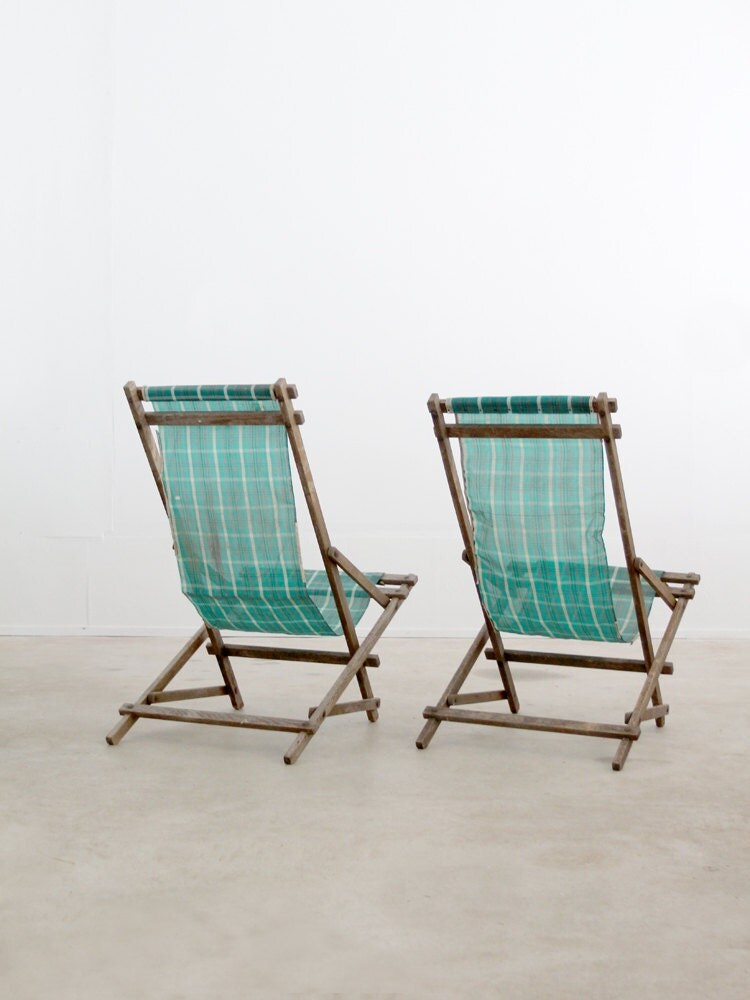 vintage deck chairs / rocking beach chairs