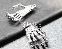 4pcs / Hand Skeleton / Oxidized Silver Tone / Base Metal / Charm (YA26361//K269)