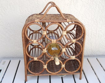 Vintage Wicker Wine Rack With Carrying Handle.