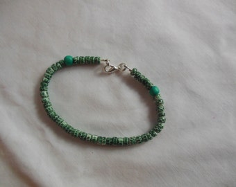 "8 3/8"" Green Cocoa Shell Beaded Bracelet, bracelet, green, cocoa shell, beaded"