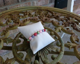 Colorful Pearly Bracelet with Flowered Toggle Clasp