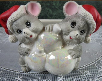 Vintage Mice with Christmas Ornaments Napkin Holder - Mice Christmas Napkin Holder - Napkin Holder - Christmas Kitchen - Christmas Mice