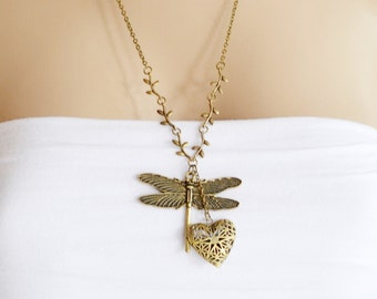 Dragonfly Locket Necklace, Heart Locket, Best Friend Gift, Filigree Locket Jewelry, Heart Jewelry, Dragonfly Jewelry, Insect Necklace