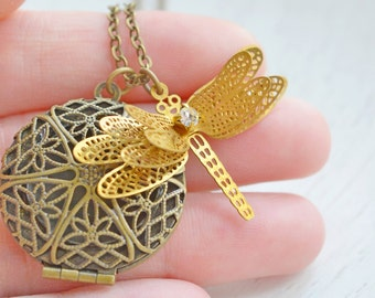 Dragonfly Locket Necklace,Steampunk Dragonfly Locket Jewelry,3D Dragonfly Charm Necklace,Keepsake,Rhinestone Dragonfly,Christmas Gift