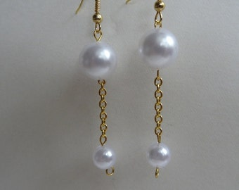 Simple and Stunning Pearl and Gold Chain Pierced Earrings