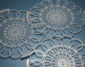 1 Vintage Plastic Tupperware Doily