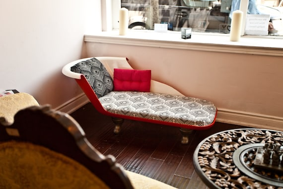 SCARLET Redux Tub Chaise - Modern Antiquity