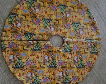 Michievous Elves Tree Skirt (large)