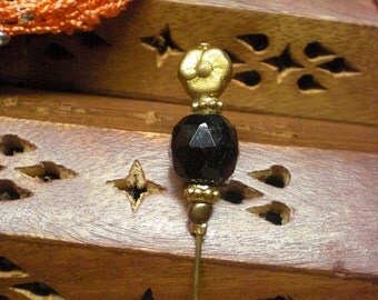 Black And Gold Toned Glass Beaded Hat Pin