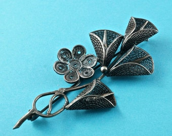 SILVER FILIGREE BROOCH . antique flower. pin. vintage No.001712