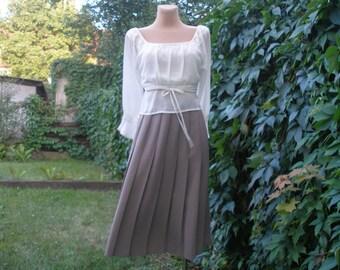 Pleated  Skirt / Pleated Skirts / Skirt Vintage / Beige Pleated Skirt / Accordion Skirt / Size EUR 40 / UK12