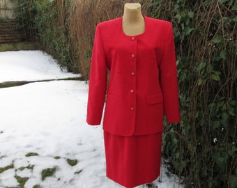 Nice Skirt Suit  Vintage / Skirt and Jacket / Two Piece / Red