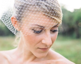 simple Birdcage veil | wedding veil plain and simple | bridal birdcage veil attache to a plain comb