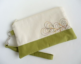 Quilted wristlet in green and ivory with stitching, cotton zipper pouch - Christmas Gift