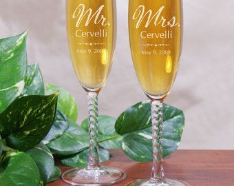 Mr. and Mrs. Personalized Wedding Toasting Flutes, decor, keepsake, marriage, bride, groom, head table, gift, glass, memento -gfy8527340