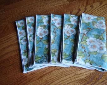 6 decorative linen napkins