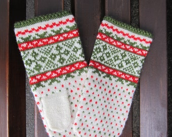 Latvian hand knitted 100% organic wool mittens