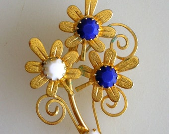 Golden Daisy Brooch-Blue Lapis and White Floral Pin Brooch from The Back Part of the Basement-FREE US Ship