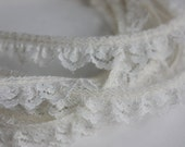"""1/2"""" Ruffled Lace with Flowers - Ivory - 4 yards"""