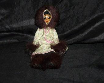 Alaska Eskimo Clothespin Doll Cotton Kuspuk Fur Trim Clothing Wood Face Alaskan Made Vintage