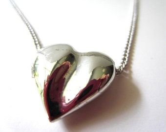 Lovely Silver Tone Avon Heart Necklace
