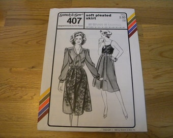 1982 Stretch and Sew Pattern 407 soft pleated skirt uncut vintage sewing