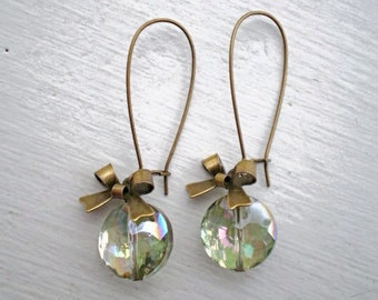 Light Green Crystal Bow Earrings/Green Earrings/Bow Earrings/Crystal earrings/Bridesmaid Earrings/Rustic Wedding Earrings/Gifts For Her