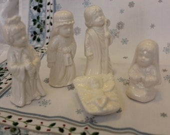 Nativity set ceramic