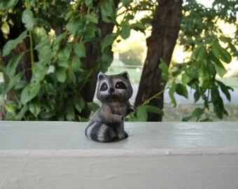 Raccoon, Miniatue ceramic raccoon