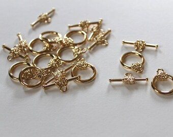 Gold-plate toggle, flower toggle, jewelry supplies, beading supplies, clasps, gold toggle, gold clasp, flower clasp, gold findings