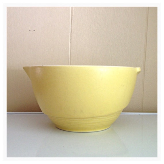 Vintage Kitchen Bowls: Vintage Yellow McCoy Pottery Bowl Retro Kitchen Ceramic