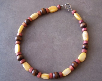 Yellow Mother-of-Pearl Bracelet with Wood Beads
