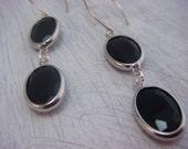 Black Elegance Earrings (gift for her, dangle earrings, womens fashion, fashion jewelry, bridal jewelry)