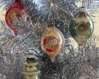 Great Set of 4 Vintage 1940s / 1950s Glass Christmas Tree Ornaments - 3 Indented - 1 Tree Shaped -  Shiny Brite - Shabby Chic / Cottage Chic