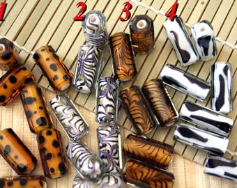 Animal Print Design Handmade Faceted Lampwork Glass Beads (2-Beads Pack) L10112
