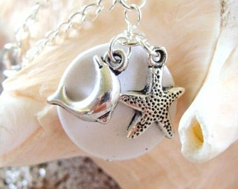 Beach Charm Pendant Necklace with Dolphin and Starfish Charms  #SpringBreak #BeachCharms #BeachJewelry