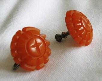 Vintage 1940s Butterscotch Carved Bakelite Earrings