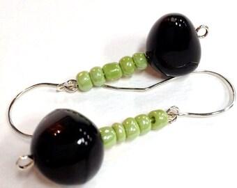 Black and Green Bead Earring, Glass Bead Earrings, Cute Casual Earring, Hipster Earring, Etsy Jewelry, Irredescent Earring, Earrings Dangles