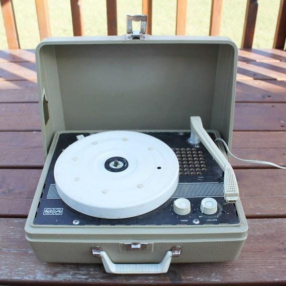 Rca Victor Portable Record Player - #traffic-club