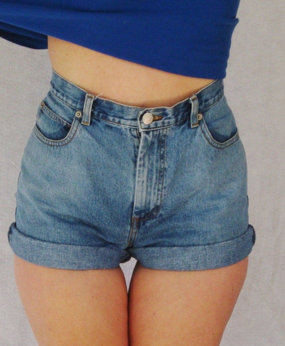 vintage high waisted cuffed denim shorts banana by. Black Bedroom Furniture Sets. Home Design Ideas