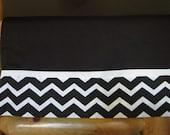 Black and White Chevron Stripe Pillowcase