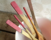 Wooden Spoon Utensil Set, Pink, Mismatched Hand Dyed FOOD SAFE Distressed Vintage spoons, 4 piece - littlecleoathome