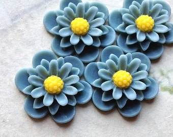19 mm Grey Colour Daisy Chrysanthemum Resin Flower Cabochons (.as)