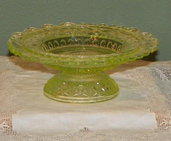 Antique Vaseline Glass COMPOTE Northwood  Uranium Dish Daisy Buttons klondyke