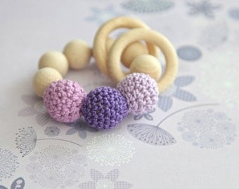 Teething toy with crochet lilac, lavender wooden beads and 2 wooden rings. Wooden rattle. Teething ring