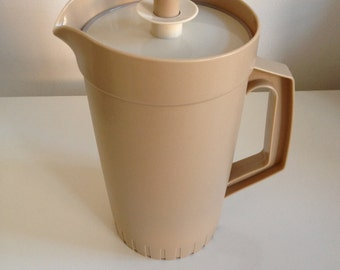 Vintage 1970's/ 80's Tupperware Pitcher in cream/beige