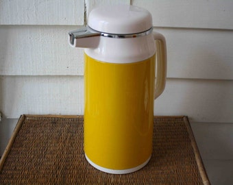 Yellow pitcher, Everest