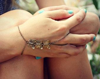 triple butterfly slave bracelet, butterfly hand chain, bracelet ring, slave ring, butterfly ring, boho bracelet, ring bracelet