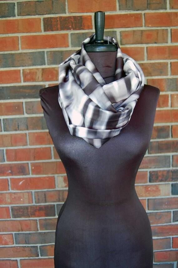 Woven silky print infinity scarf - Black & white Tie Dye